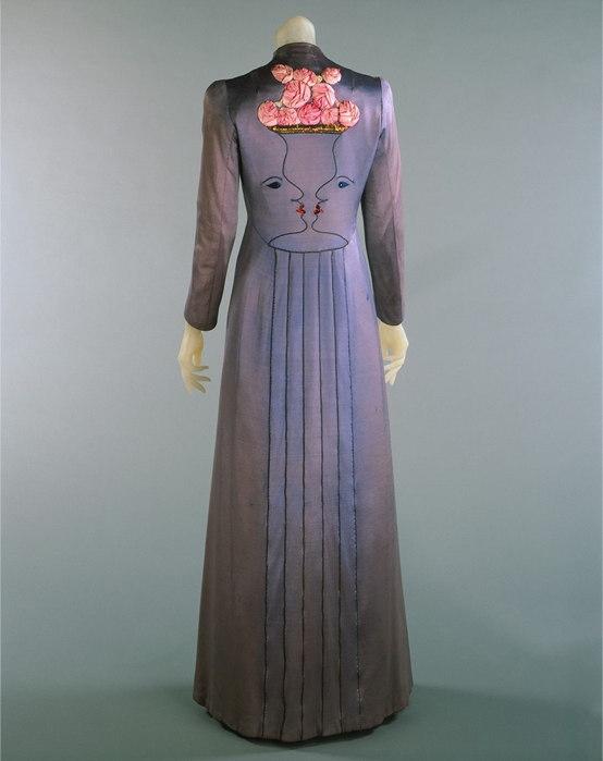 Maison Schiaparelli | Schiaparelli coat embroidered with two trompe-l'oeil faces and shocking pink roses, 1937, Jean Cocteau| nuncalosabre | arte | fashion